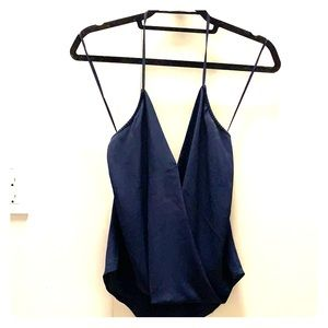 Olivaceous Crossover Hlayer Top - Navy